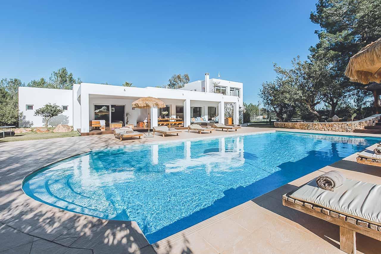 Contemporary large luxury villa for sale in Ibiza